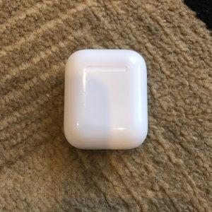 Apple air pods charging case